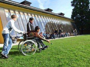 accessibilite des ecoles les mairies peuvent mieux faire