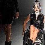 Un styliste de stars transforme un handicapé en mannequin de mode
