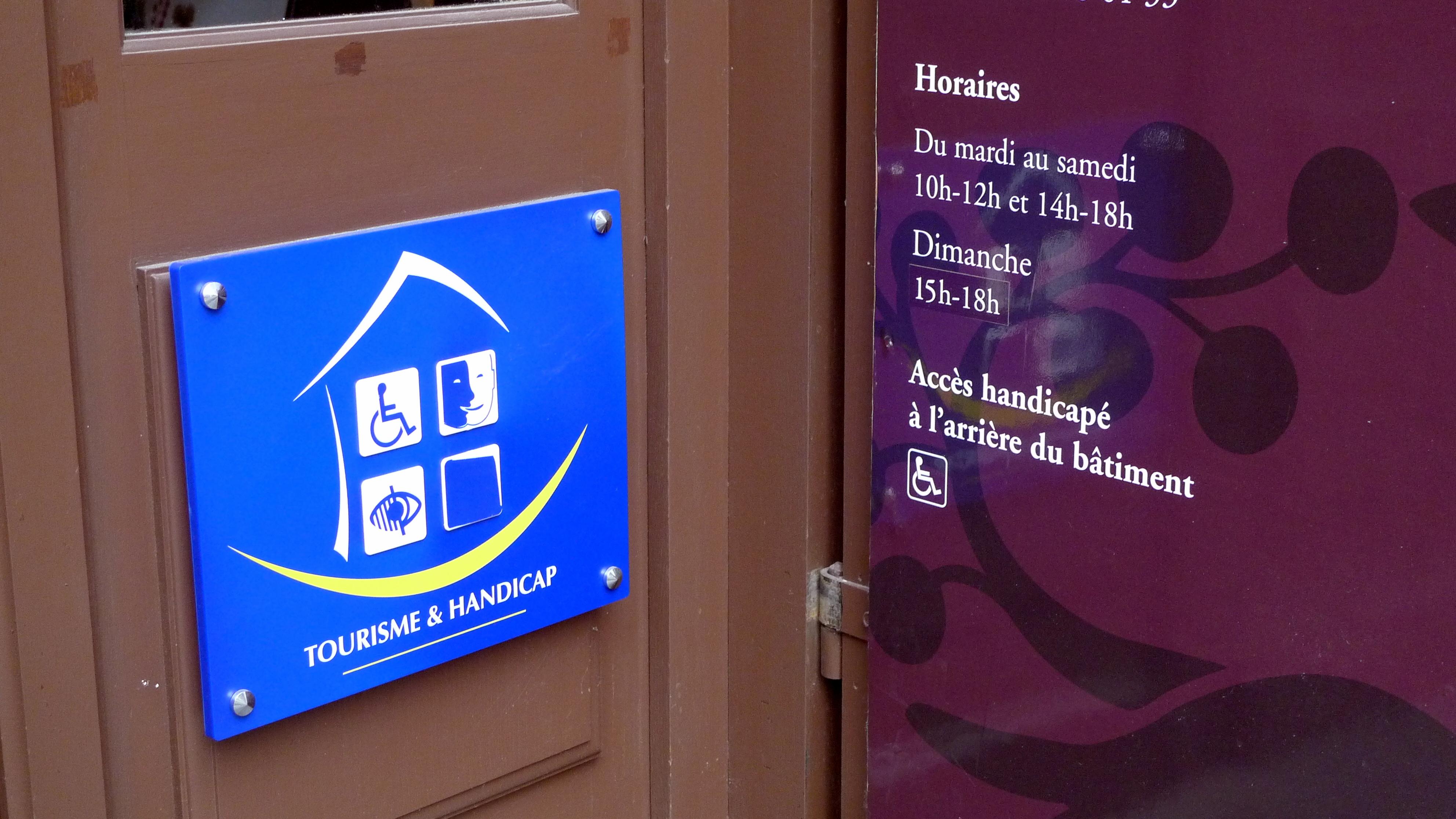 Etablissement accessible aux personnes handicapées