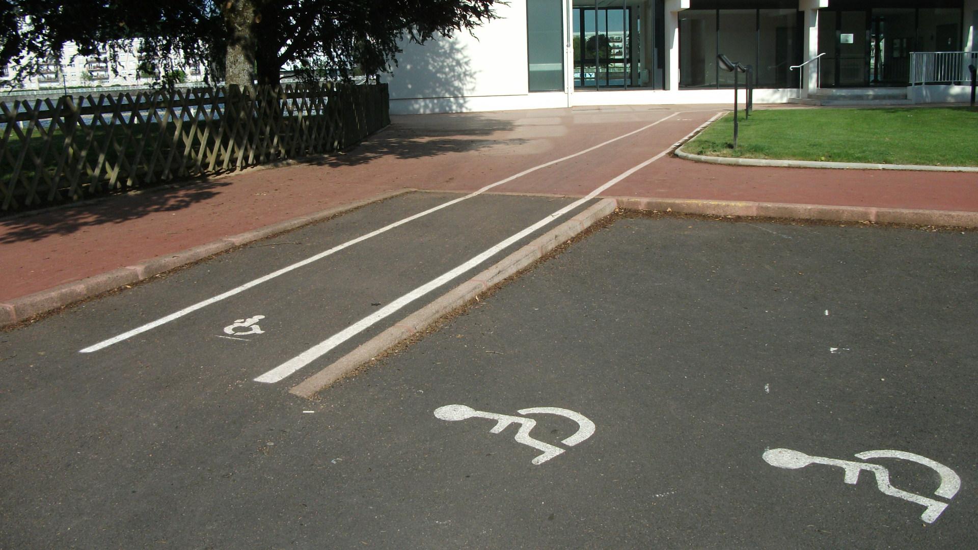 Place pour personnes handicapées