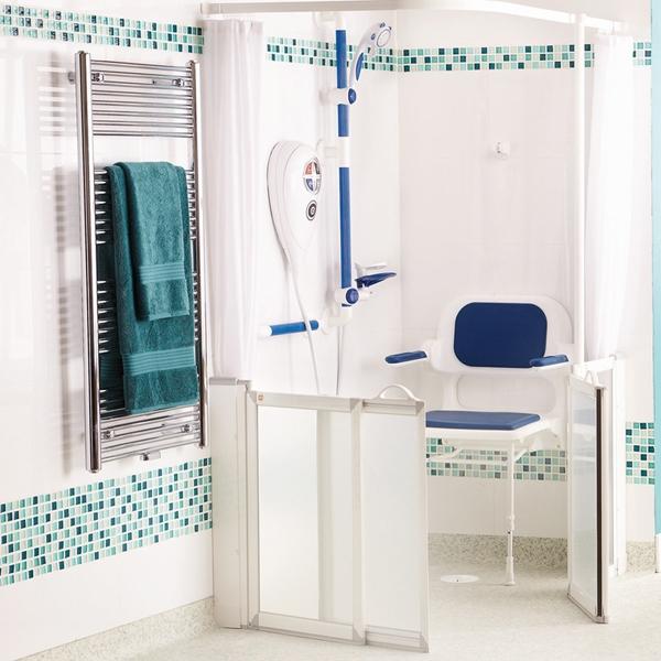 Sanitaires PMR : wc et douche pour handicapés